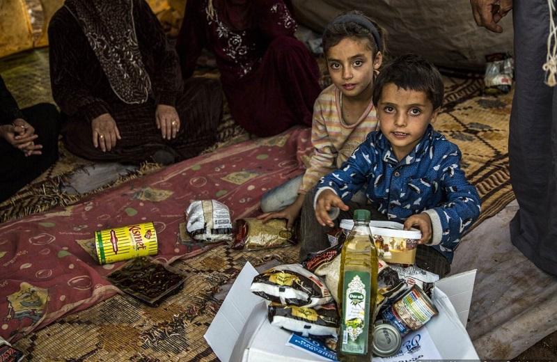 Suriyeli hayırseverler, Ramazan ayında ihtiyaç sahipleri için çalışıyor